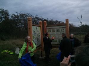 uplands unveiling 1- Hazel Braithwaite Nov 2-2014